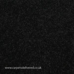 Grantham 09 Kelby Black Carpet